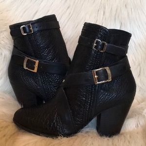 VINCE CAMUTO Black Leather Hailey Ankle Boots EUC